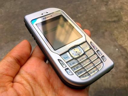 Nokia 6670 Zin chính hãng New, pin trâu siêu rẻ.Có giao tới